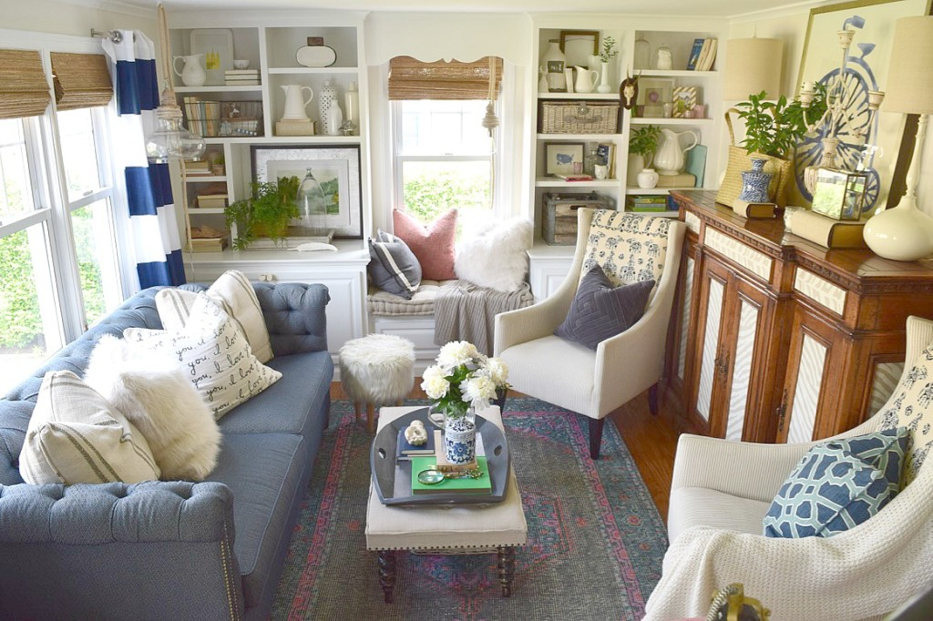 Beach Nautical home tour 26
