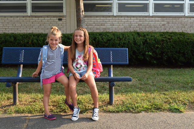 Back to school dinner. Complete with sunflowers, cupcakes and pizza. Questions to ask before starting school.