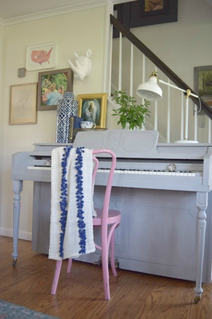 How to paint a piano- from Country Living Magazine