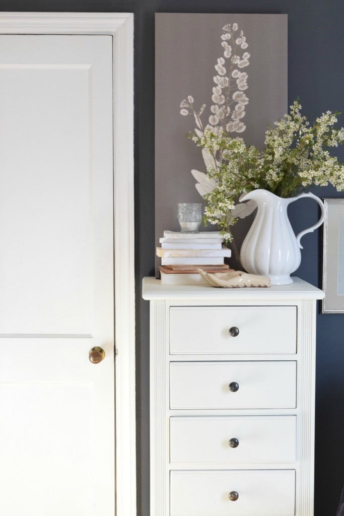 Painting with mud paint and chalk paint DIY