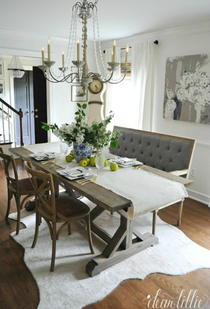 Banquette seating in kitchen 008