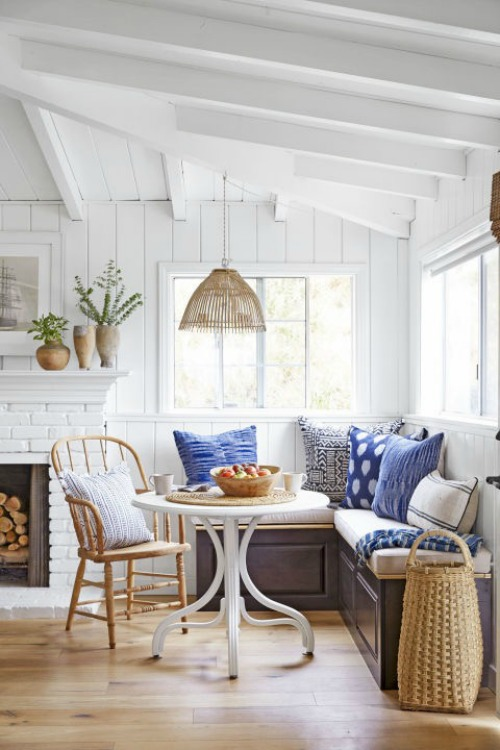 Banquette Seating- Inspiration for Kitchen