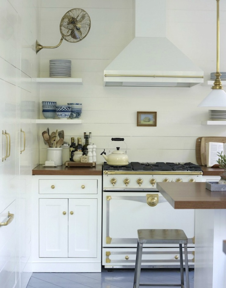 Friday Favorites- White Kitchen Inspiration