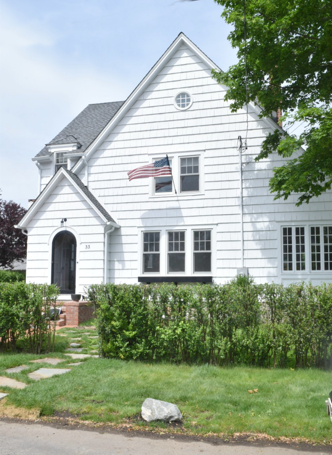 New England Homes- Exterior Paint Color Ideas - Nesting ...