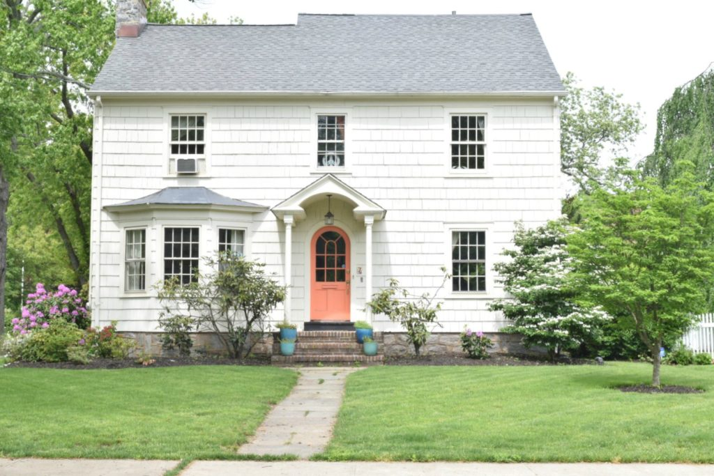 New england homes exterior paint color ideas nesting for Newengland homes