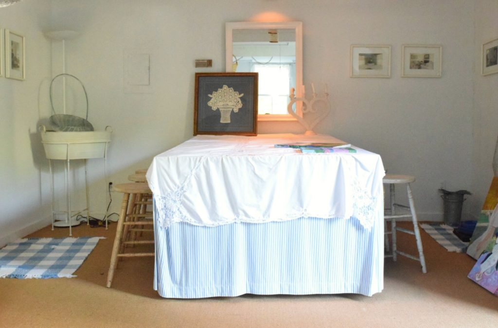 See Inside This Charming Tiny Space