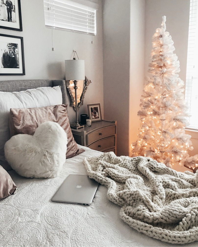 Top Home Decor Accessory- Top Fashion Pieces from Instagram