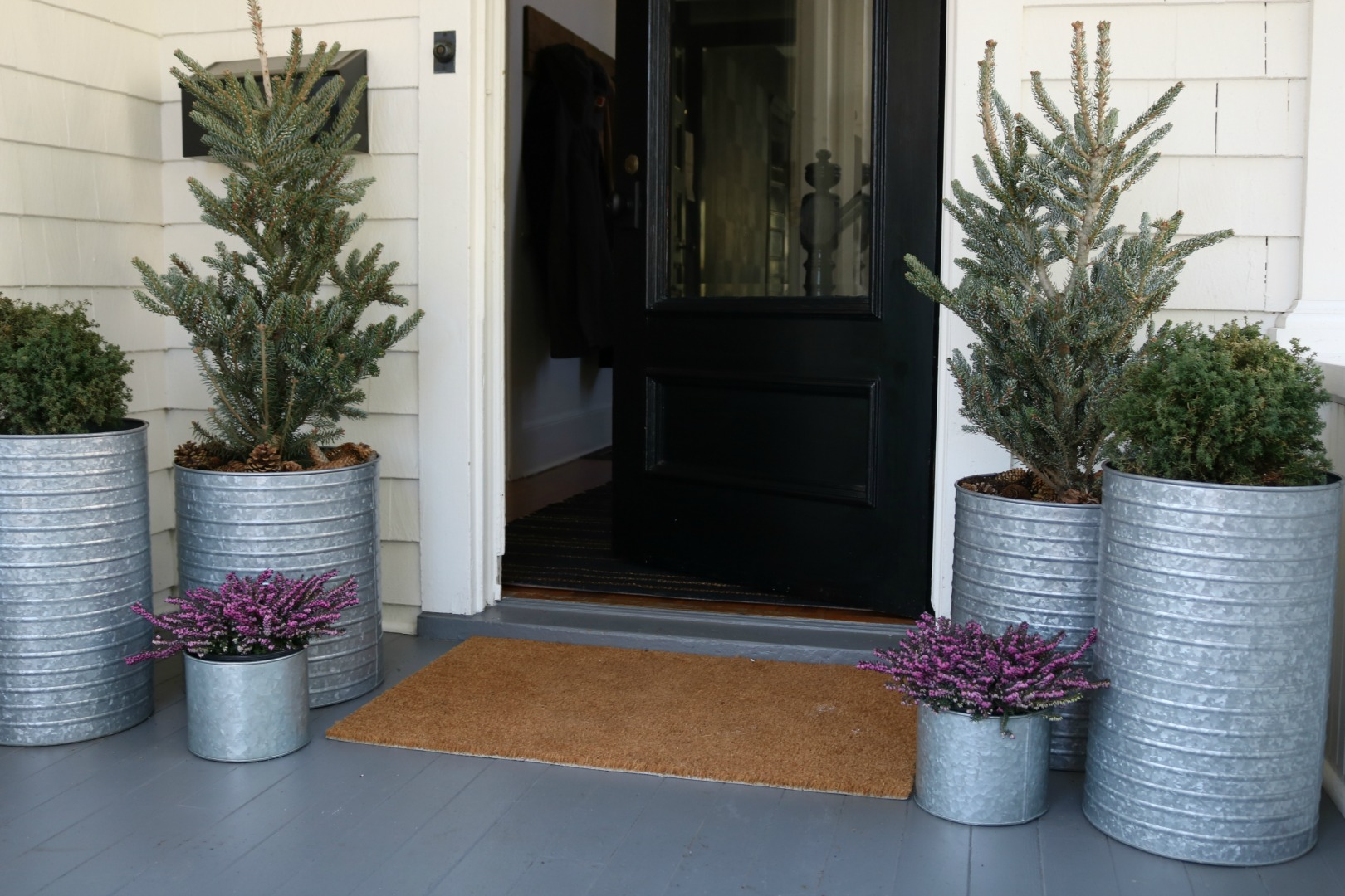 Outdoor Inspiration- Planters for Front Porch