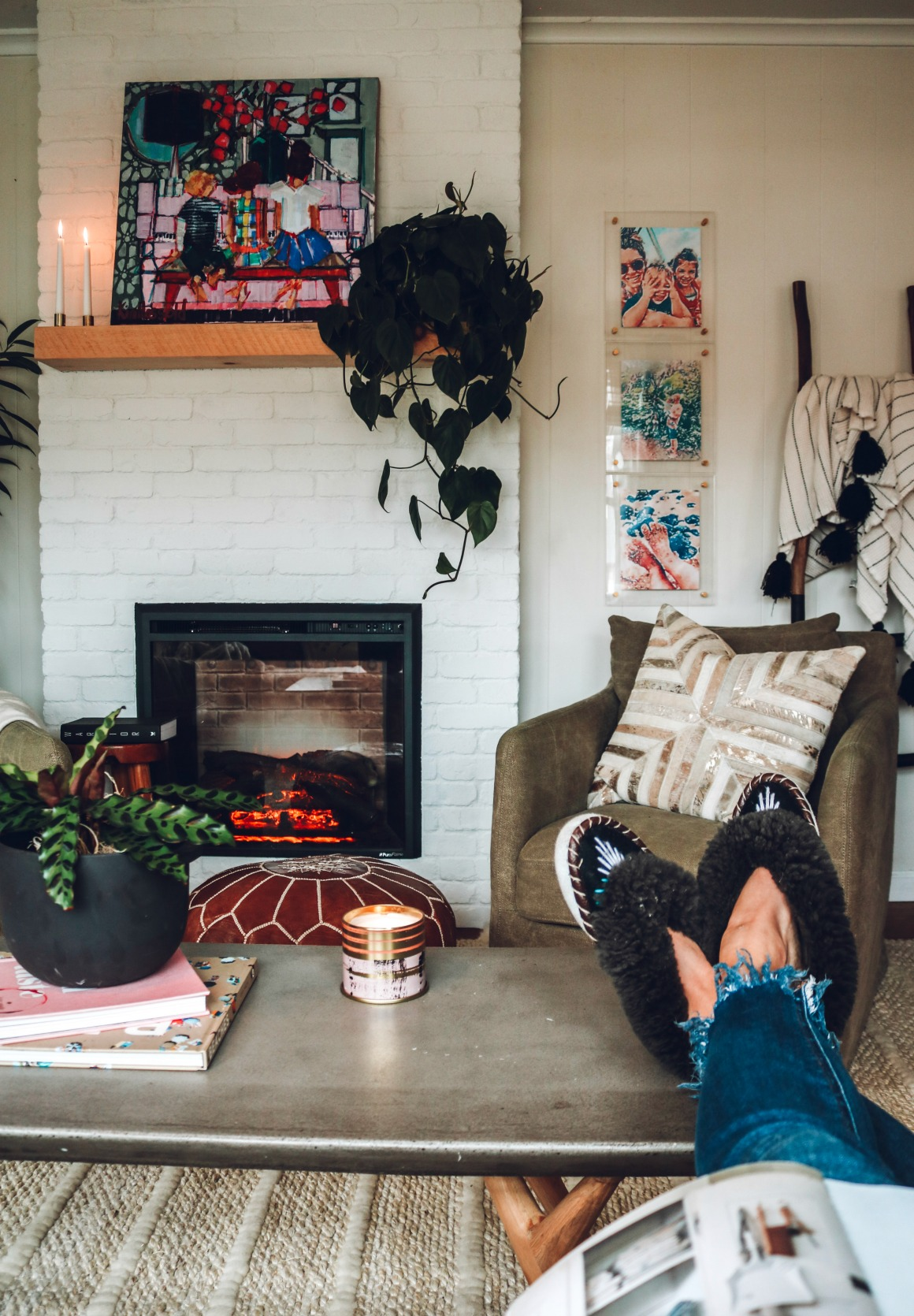 Small Living Room Ideas that are Affordable!