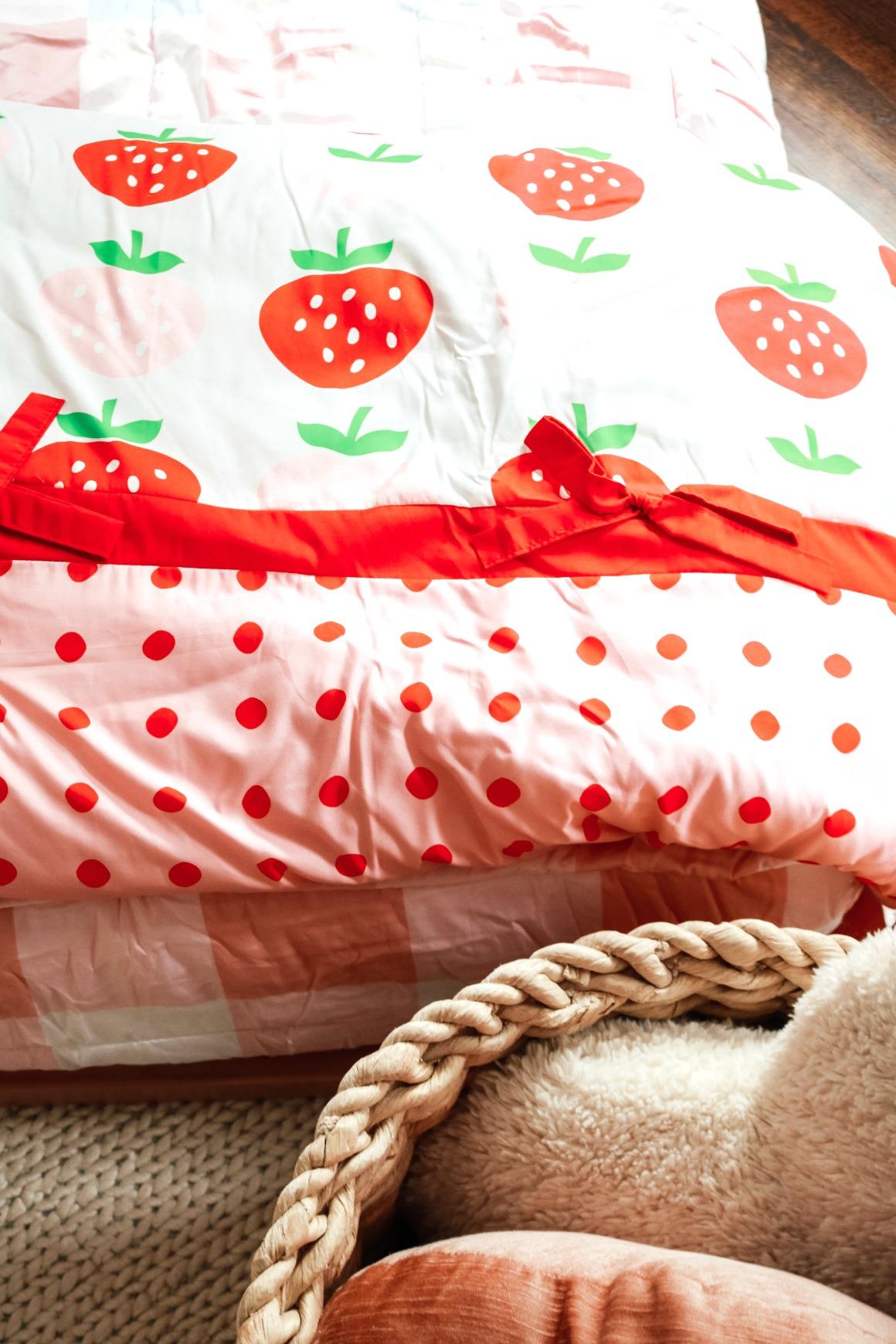 The BEST Toddler Girls Bedroom!