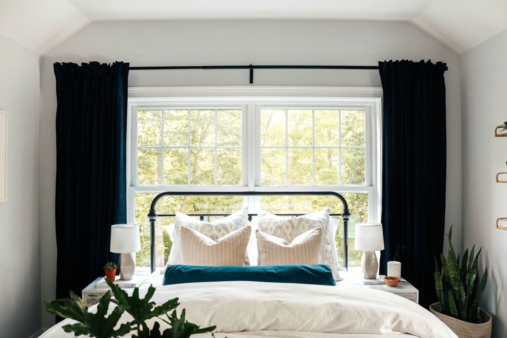 Easy Bedding Ideas and Curtain Panel Tips