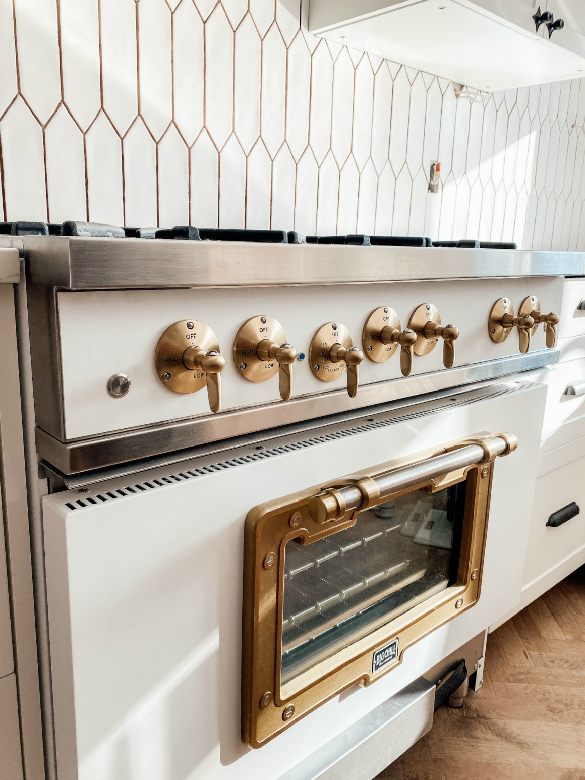 Friday Favorites- New Appliances, Kitchen Hardware and new Rug!!!