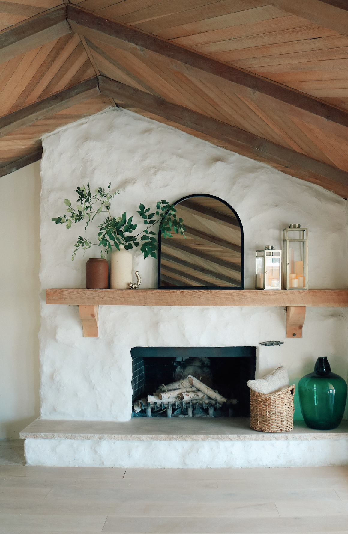 Fall Decor Front Porch Idea and Target Fall Finds for Fall Mantle